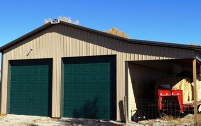 Amish barn builders in Cumberland